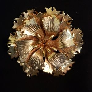 Jewelry - Vintage Flower Brooch